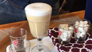 Coffee Recipes > Latte Macchiato